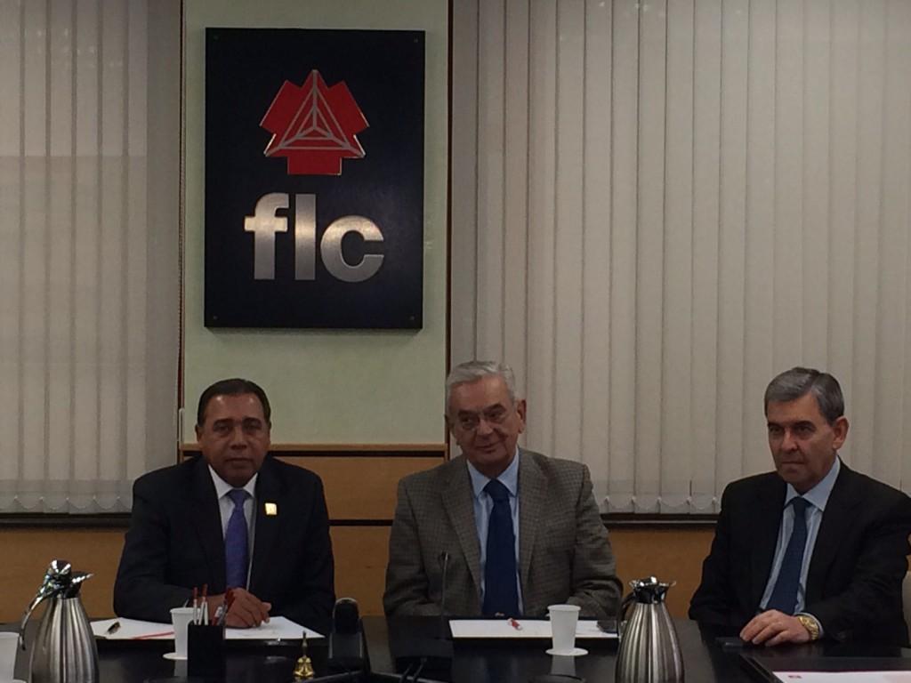 1.Fermín Acosta, presidente de Acoprovi,Serafín A Martínez Fernández, presidente de la FLC y Fernando Rodríguez Valledor, vicepresidente de la FLC