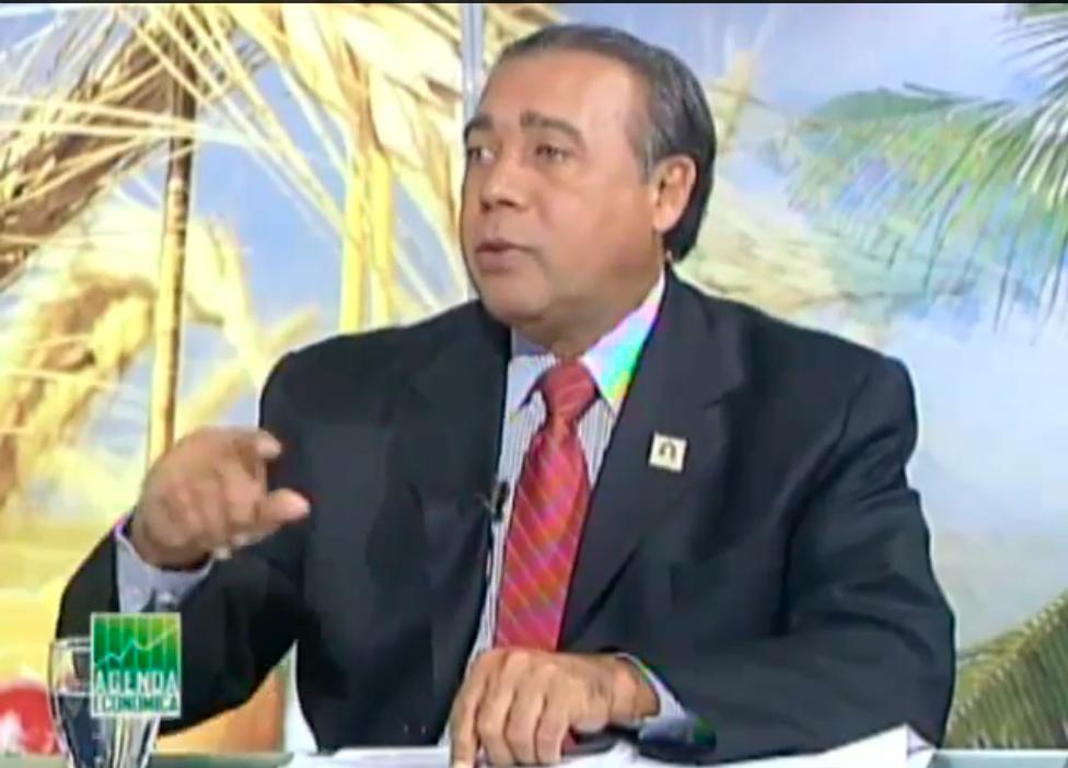 Fermín-Acosta-en-el-programa-Agenda-Economica-3