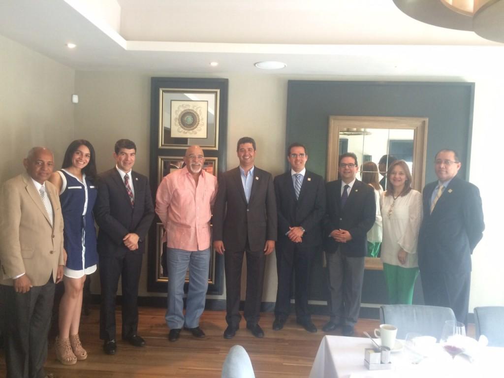 Almuerzo con miembros de la Asociación La Nacional de Ahorros y Préstamos y directivos de ACOPROVI -2
