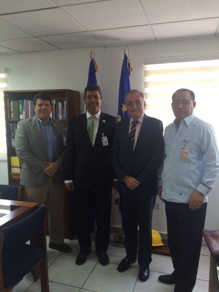 Reunion Alberto Navarro representante de la Union Europea