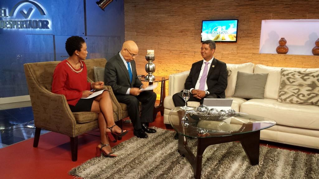 Entrevista-al-Ing-Héctor-Bretón-en-el-programa-televisivo-El-Despertador-por-Color-Visión,-Canal-9-1