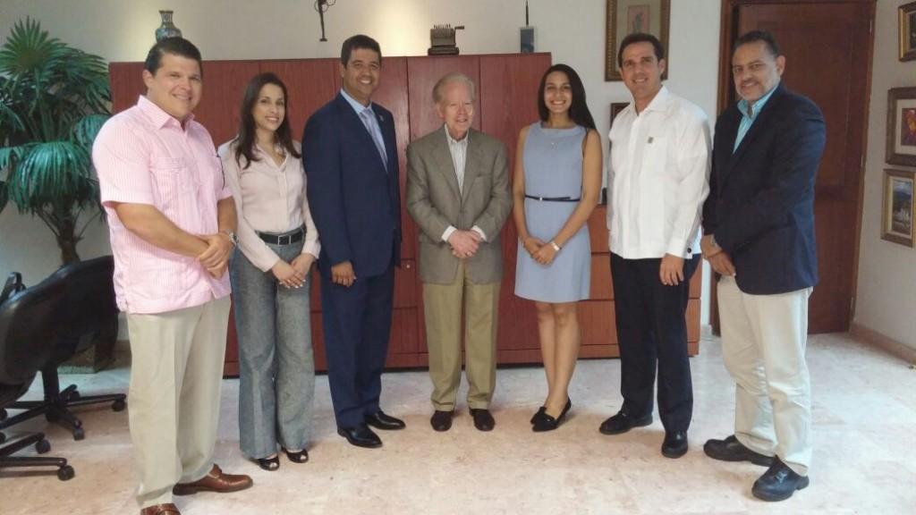 Miembros de la directiva sostienen encuentro con el empresario Pepin Corripio
