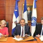 El Ministerio de Hacienda y la Agencia Francesa de Desarrollo firman contrato de préstamo de apoyo presupuestario por US$50.0 millones