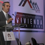 El candidato presidencial del Partido Revolucionario Moderno, Luis Abinader, anunció que la construcción de viviendas de interés social