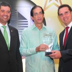 Montalvo reconocido por constructores y promotores de viviendas 2