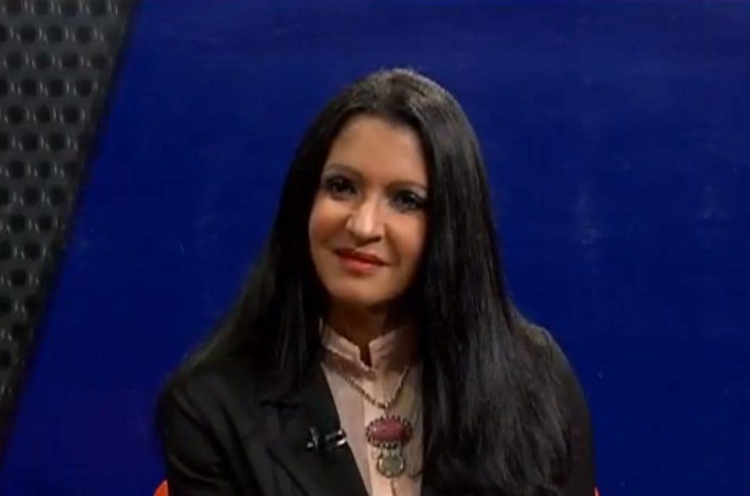 Entrevista-a-la-Ing-María-Gatón-en-el-programa-Luna-Valiente-Presenta