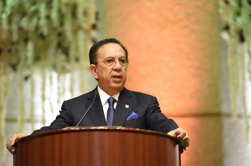 Héctor-Valdez-Albizu-gobernador-del-Banco-Central