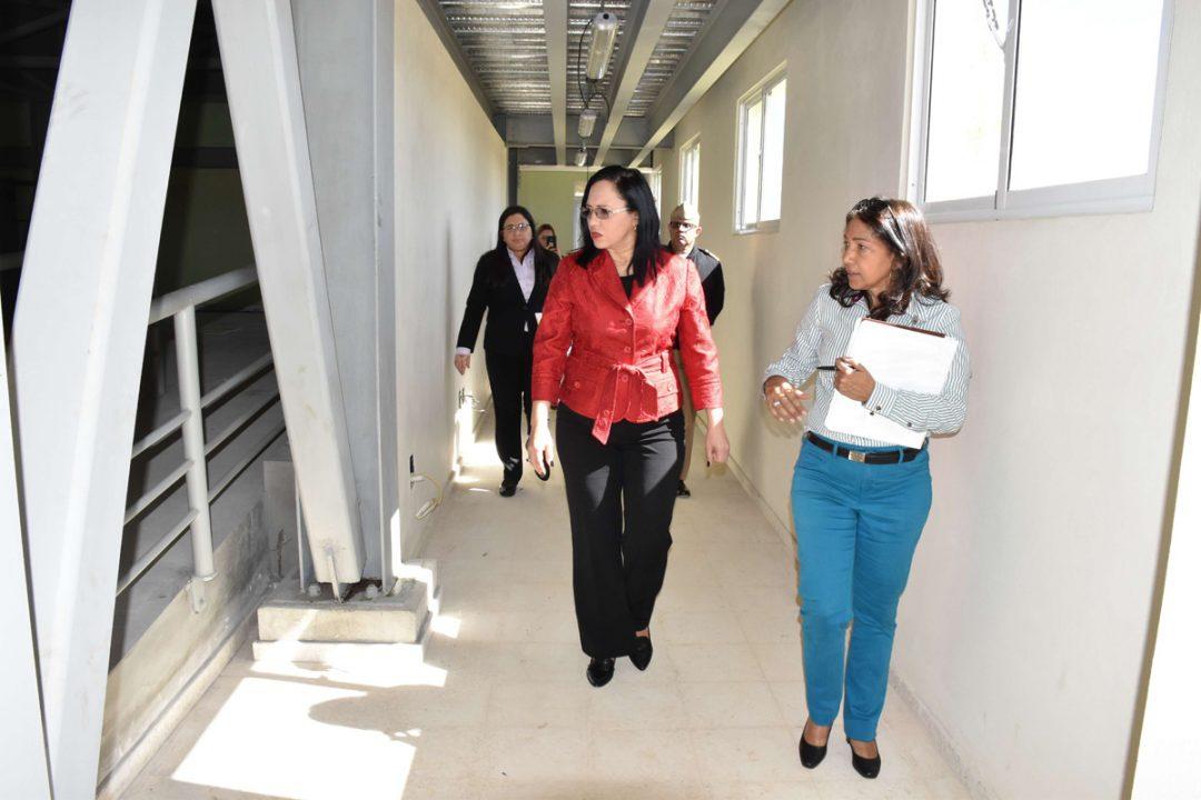Nathali-Maria-Avanza-construcción-de-centro-para-adultos-mayores-en-la-Ciudad-Juan-Bosch