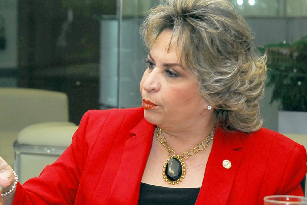 ALEXANDRA-IZQUIERDO