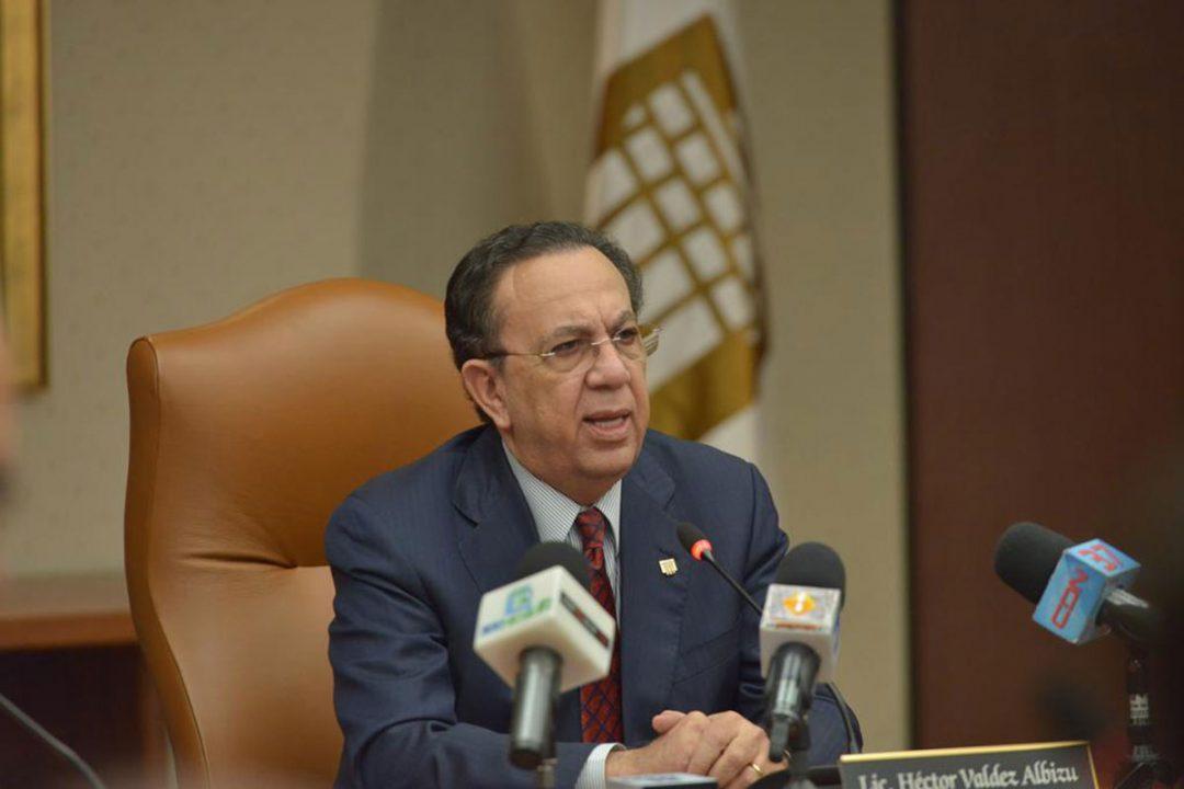 Gobernador-del-Banco-Central-de-la-República-Dominicana--BCRD--licenciado-Héctor-Valdez-Albizu