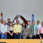 Directivos-de-Acoprovi-junto-a-Domingo-Contreras